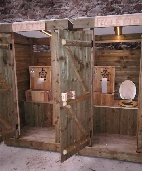 la taupe au guichet toilette sèche (2)